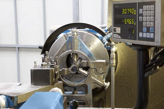 En Mecanizados OSA disponemos de tornos Lacfer